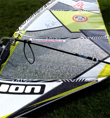 Windsurfen in de kou Leerwindsurfen hagel north sails idol